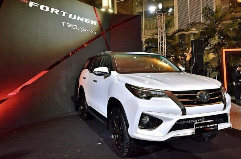 2020 Toyota Fortuner VRZ Price & Equipment