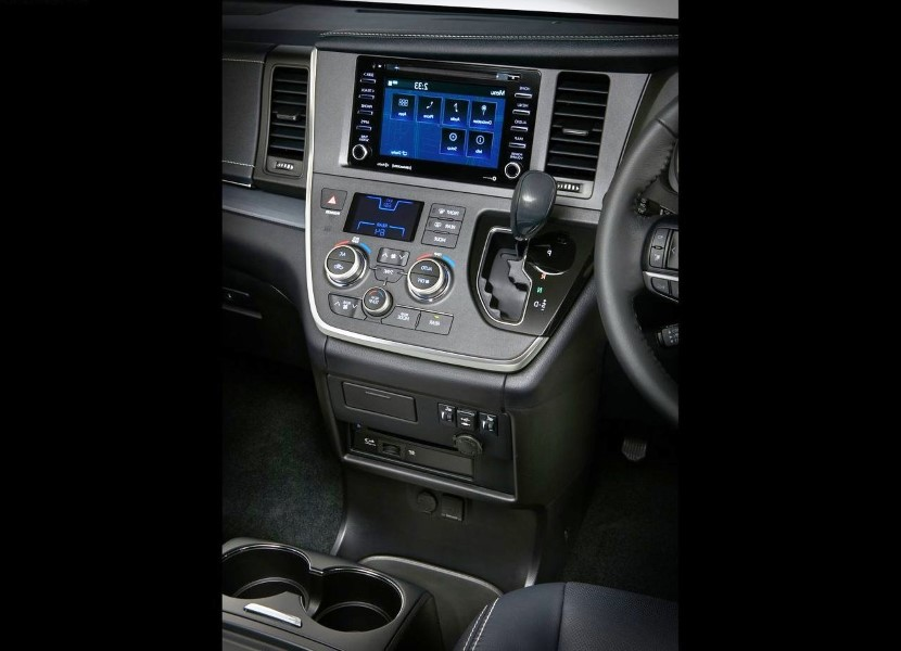2020 Toyota Sienna AWD Performance and mPG