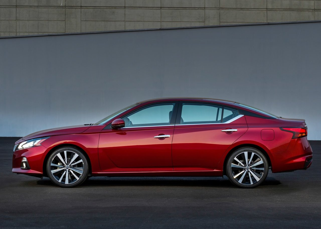 2020 nissan altima Dimensions Changes