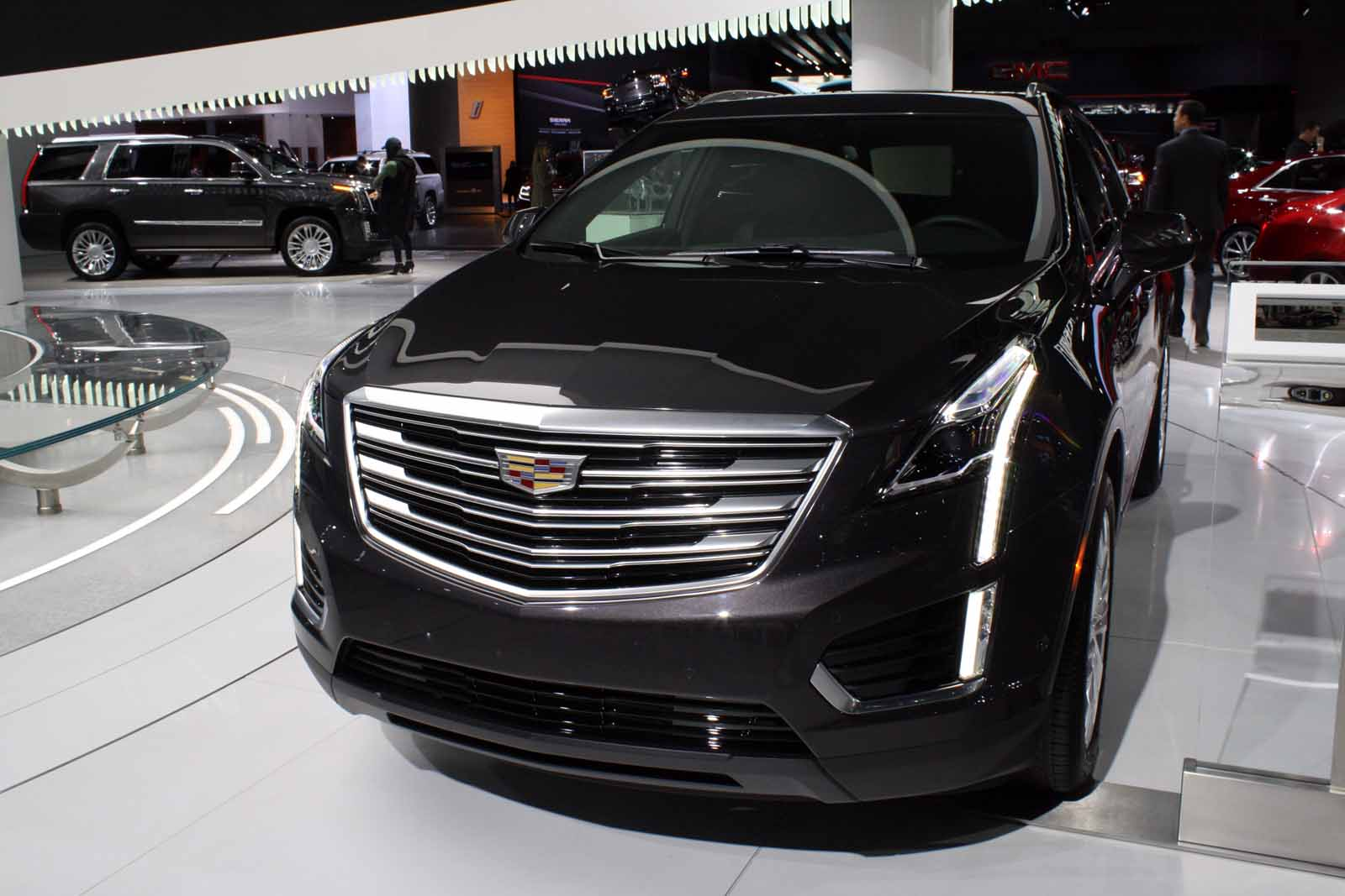2020 Cadillac XT5 SUV Release Date and Specs