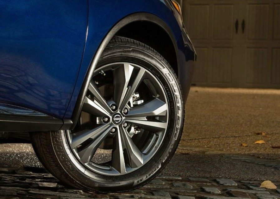 2020 Nissan Murano Wheel Size & Model