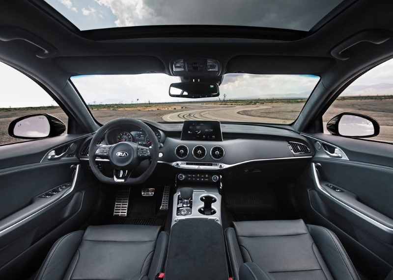 2020 KIA Stinger Interior Features and Pictures