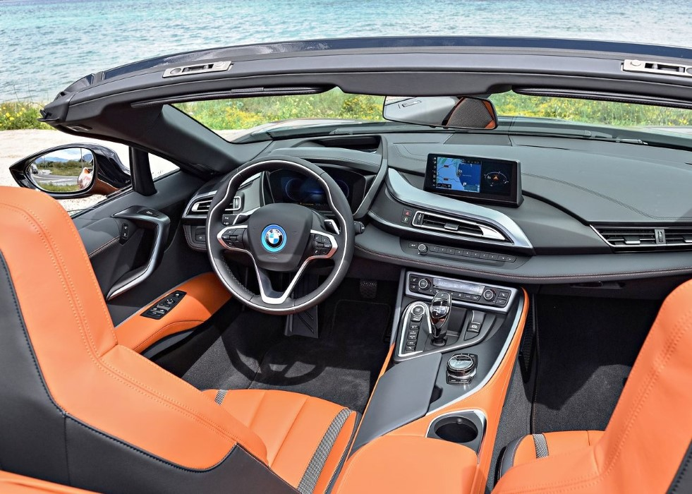 2020 BMW i8 Roadster Hybrid Redesign INterior