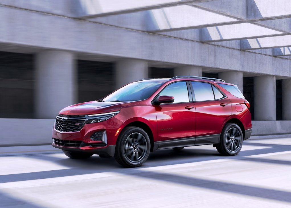 2021 Chevrolet Equinox RS Exterior Looking