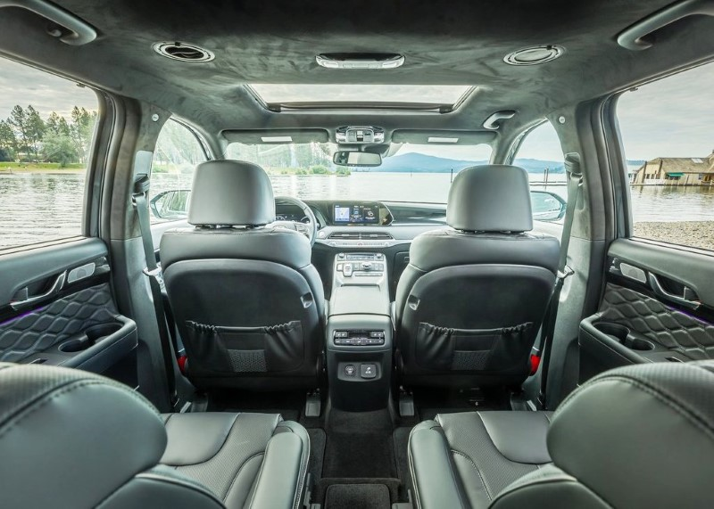 2021 Hyundai Palisade Roomy Interior With Captain Seat