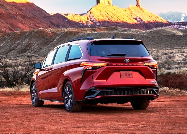 2022 Toyota Sienna Rear Angle Pictures