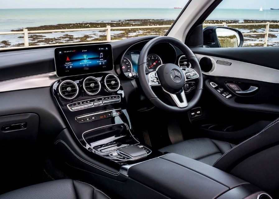 2022 Mercedes GLC Interior Pictures