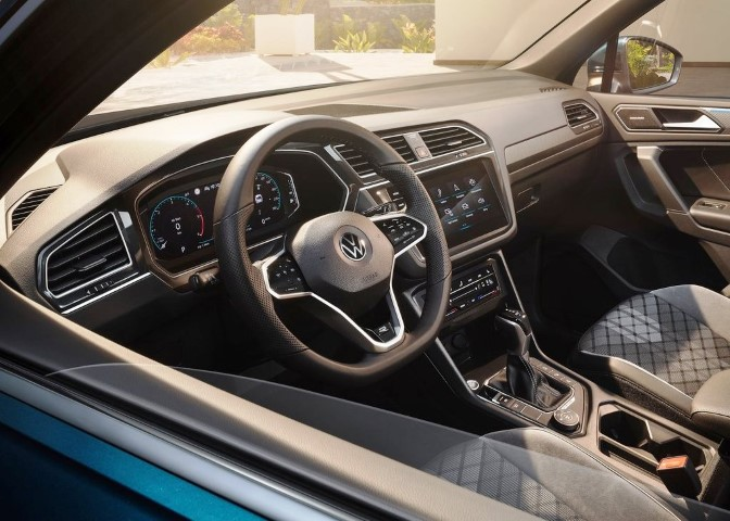 2022 VW Tiguan Interior