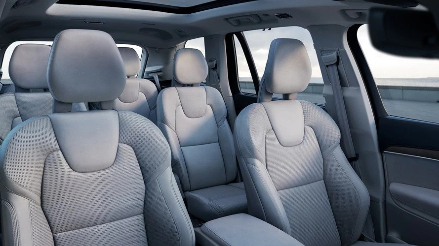2022 Volvo XC90 Full-Size SUV With Captain Seat